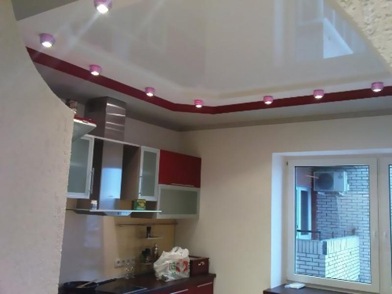 Какой натяжной потолок выбрать на кухню? Аквамарин