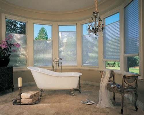 Горизонтальные жалюзи в ванной