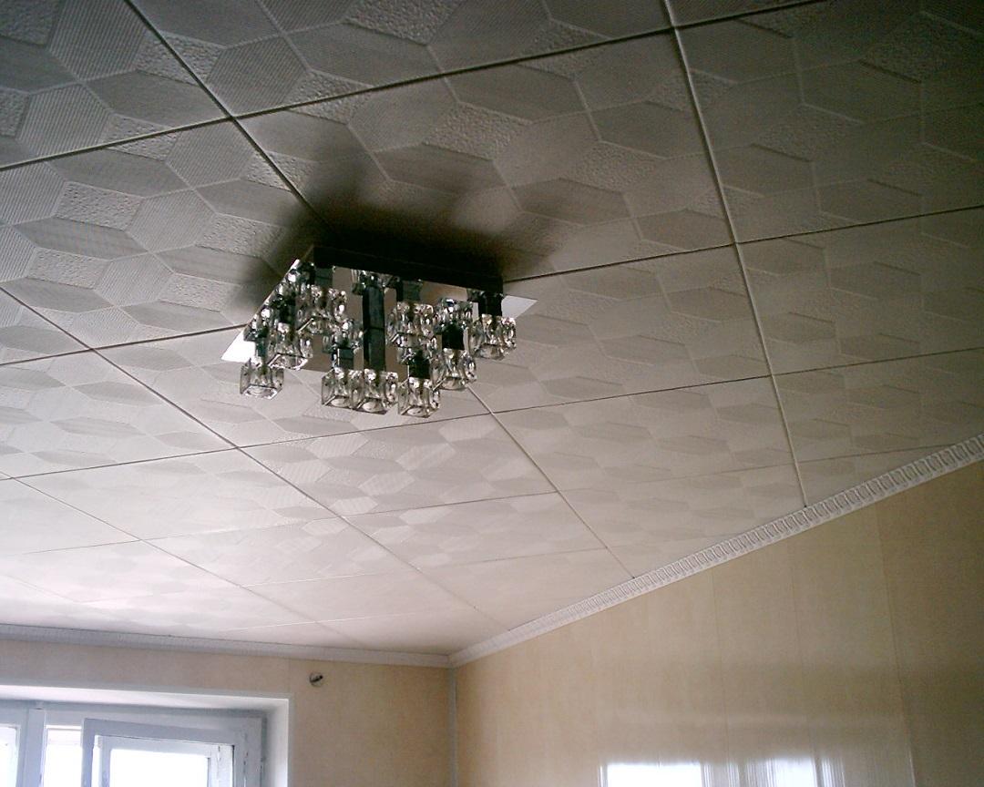 пластиковые-потолочные-плиты